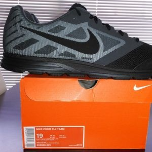 Nike Zoom Fly Team Athletic Shoes. 652828001.